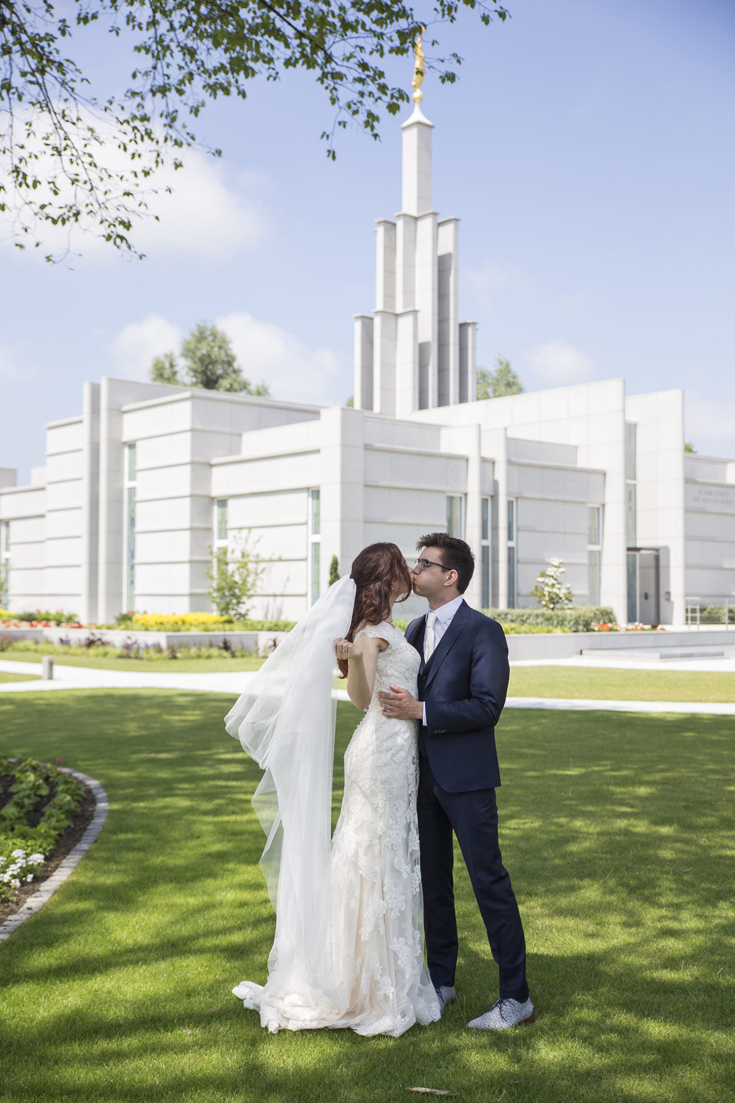 temple wedding pictures