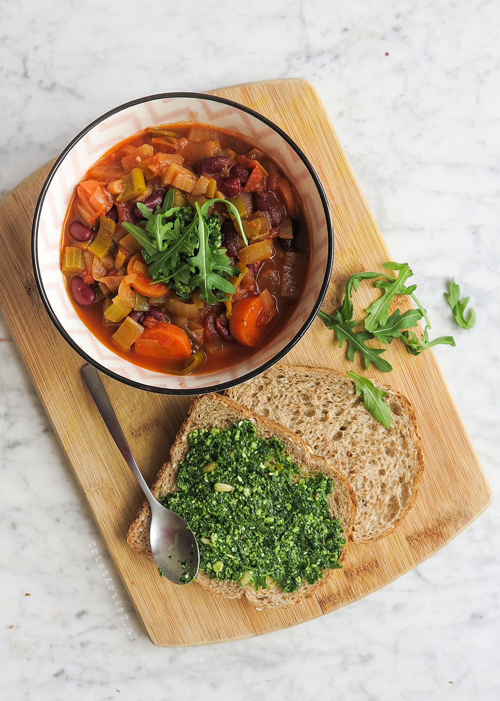 Vegan Friday – Vegetable soup with arugula pesto