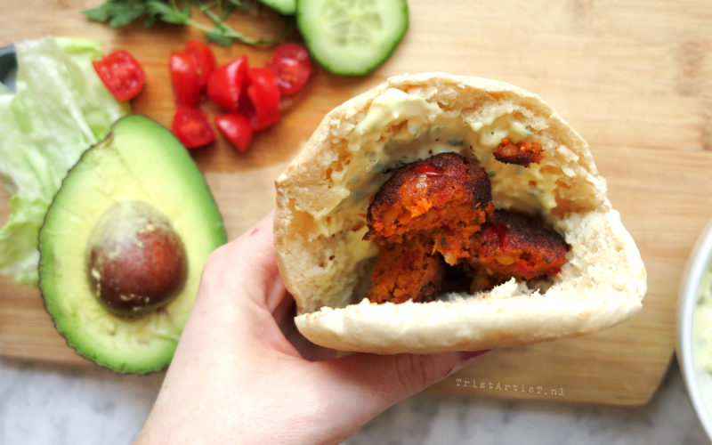 VEGAN FRIDAY Spicy Pita Falafel