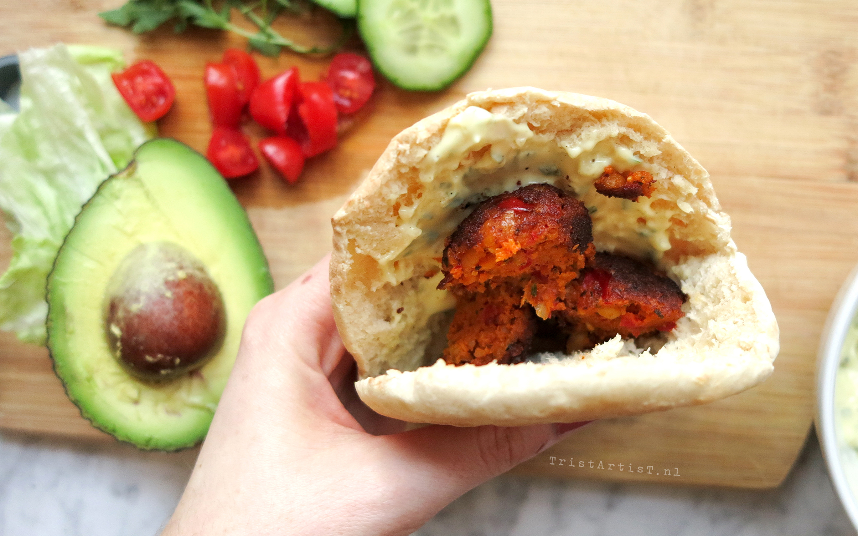 VEGAN FRIDAY Spicy Pita Falafel