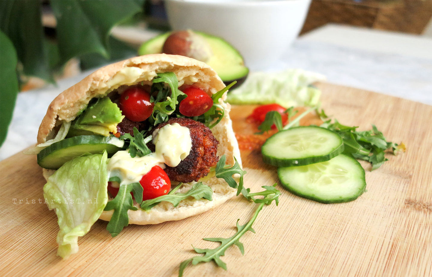 VEGAN FRIDAY – Spicy Pita Falafel